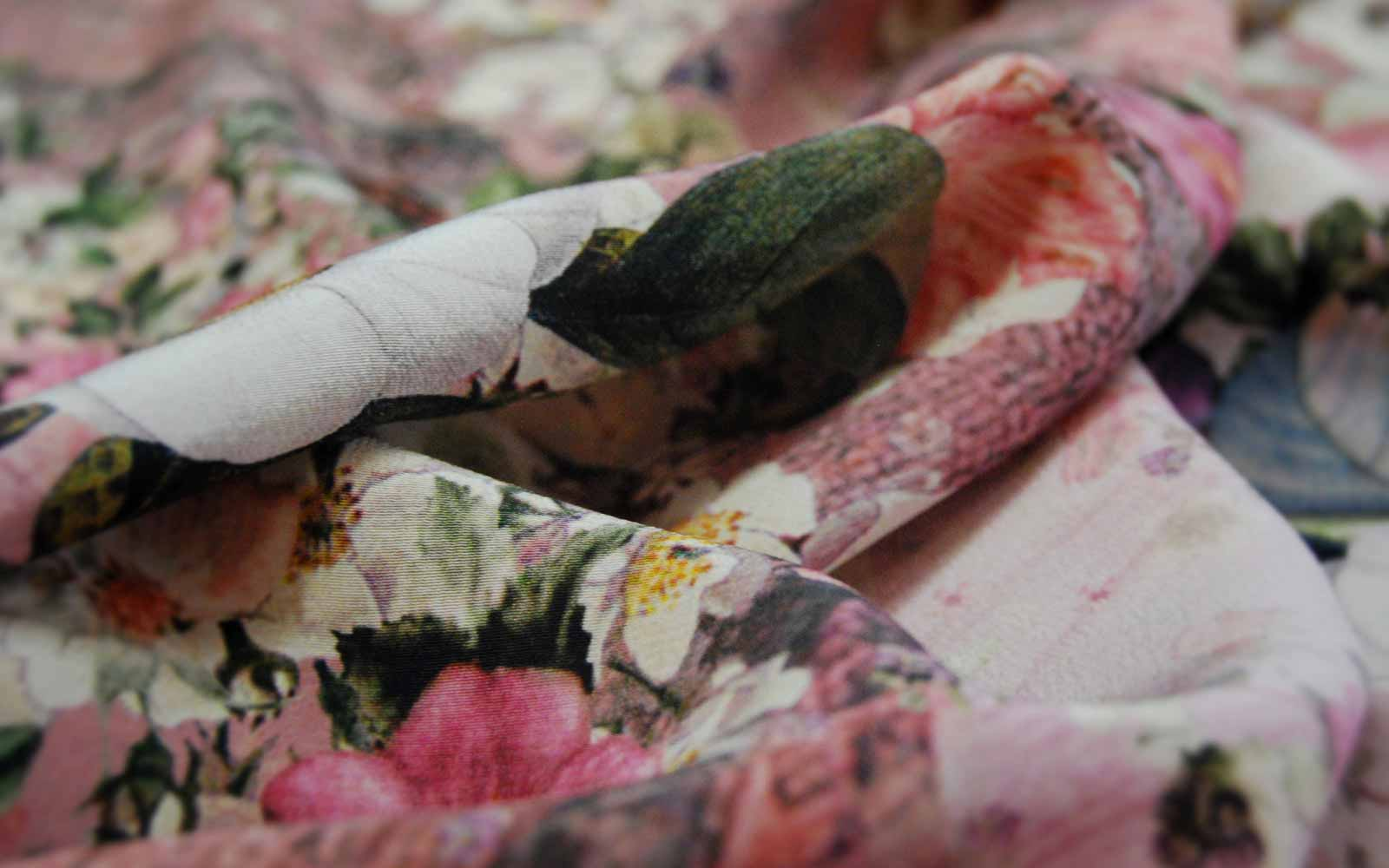 Home texitalia srl tessuti d 39 abbigliamento di alta moda for Tessuti arredamento on line